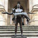 En för Bukarestborna känd staty