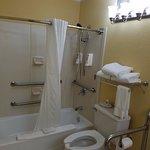 Room 117 bathroom