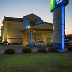 Photo of Holiday Inn Express Wauseon