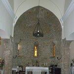 interno con altare principale