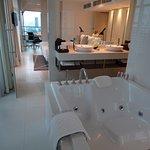 Suite Metro, gd luxe, volume supérieur à 100 m2 ! 3 terrasses, un petit bijou !