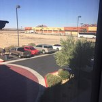 Photo de Holiday Inn Express & Suites Barstow-Outlet Center