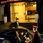 Dark_Hill_Hotel_Entrance