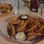 Crackers Bar & Grill