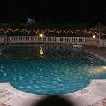Royal Beach Hotel Photo