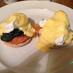 Eggs Benedict (main course)