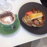 Le Beau Cafe Foto