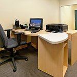 CountryInn&Suites Fairborn  BusinessCenter