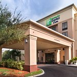 Holiday Inn Express Hotel & Suites - Veteran's Expressway