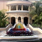 Hollywood Hotel Exterior Fountain Entrance