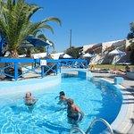 une vue de la grande piscine