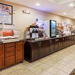 Enjoy Our Complimentary Express Start Breakfast Bar