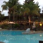 Dinah's Garden Hotel Foto