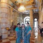 Le hall de réception et les charmantes hôtesses d'accueil