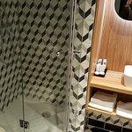 Salle de bains de la chambre 418