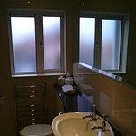 Foto di WatersEdge Hotel