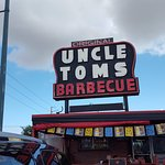 Uncle Tom's Barbecue!