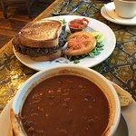 Foto de Three Sisters Cafe
