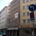 O hotel estava em obras na fachada - feio, mas necessário.