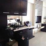 TV flat, lemari untuk menyimpan berbagai barang