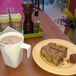 My order-Hot Choclate and caramel blondie