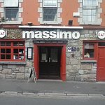 Massimos Entrance