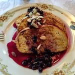 French toast with orange/blueberry compote and almond slivers-yum!