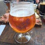Las mejores cervezas las encuentras acá!! Muy bien atendido, gran variedad. Se agradece la atenc