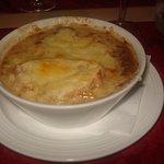 soupe à l'oignon gratinèe