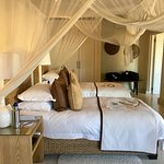 Lion Sands - twin beds room