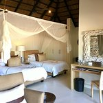 Lion Sands - twin beds with mosquito netting