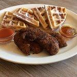 Saturday Brunch: Chicken & Waffles