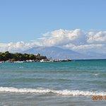 Widok z plaży na Kefalonię