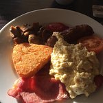 Delicious, freshly cooked to order breakfast. Makes a nice change to get hot, homemade creamy sc