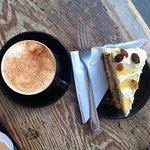 Cappuccino with raisin cakes