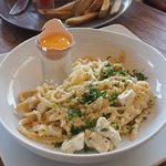 Pasta Carbonara (savory, melt in your mouth, greasy goodness)