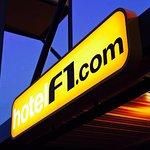 HotelF1.com