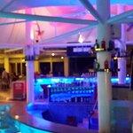 Grannd Okan Hotel bool bar
