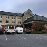 Country Inn & Suites - front of hotel