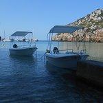 Alquiler de Barcas sin titulación en Cala'n Porter (Menorca). Rental Boats without license.