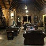 Photo de Gomo Gomo Game Lodge