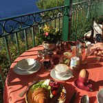Breakfast buffet everyday from 7-11 am