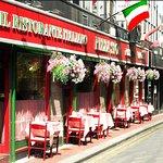 Pizza Stop Restaurant, Chatham Lane, (off Grafton St.) Dublin 2.