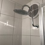 hows this for a shower head and it works properly not a trickle shower here.