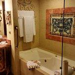 Very nice bathroom...