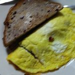 Bacon Omelette W/Cranberry Toast