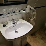 Detalle baño - Hotel Nou Estrelles ** (Cadaqués-Girona)