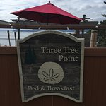Foto de Three Tree Point Bed and Breakfast