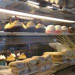 Gran variedad de tortas y cupcakes