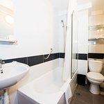 Studio or Mini suite bathroom